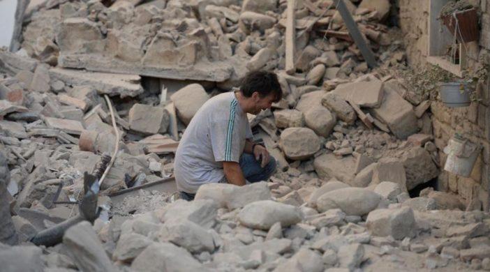 Un român decedat, alţi doi români răniţi şi nouă sunt daţi dispăruţi în cutremurul din Italia