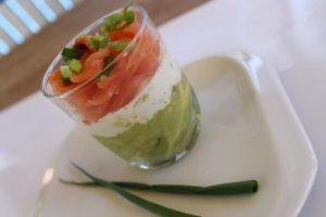 Rețeta de weekend: Mousse de avocado cu somon