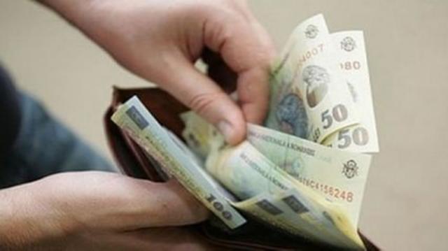 Salariu minim pentru bugetari, cu 300 de lei mai mare decît cel în mediul privat